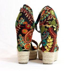 ba94355877ed BAMBOO Shoes - Open Toe Embroidered Espadrille Wedge